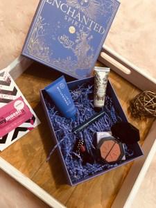 Bon plan beauté : une box composé de 74.40€ de produit + une carte cadeau de 10€ pour 12.40€