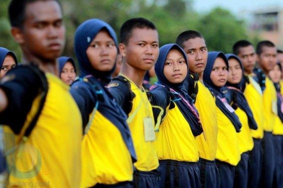 Meluruskan barisan(Fahmi Fajri/Bontang Post)