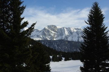 DECEMBER SKI  : FRANCE : APARTMENT* (7 NIGHTS) + LIFT PASS (6 DAYS)  FOR 89 EUROS P/P