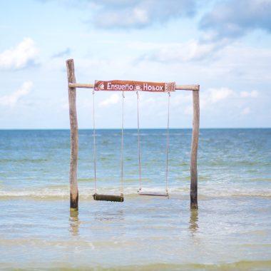 activity swing on sea