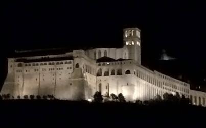Night view of Basilica of San Francesco d'Assisi - photo by: Anna Luisa Van Haute