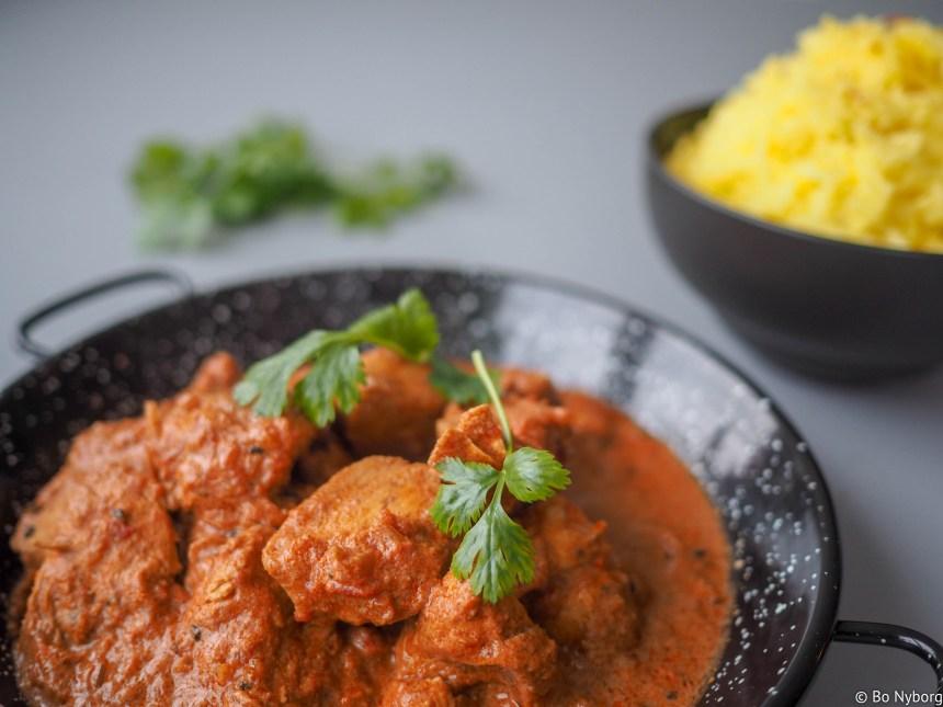 Kylling tikka masala er en veldig populær indisk rett. Denne enkle versjonen smaker masse og du lager den i en fei.