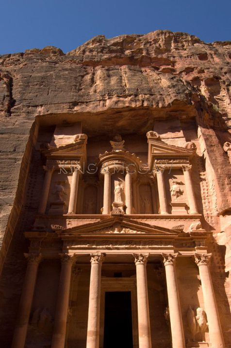 Jordan, Petra, the Treasury building (Al Khazneh).