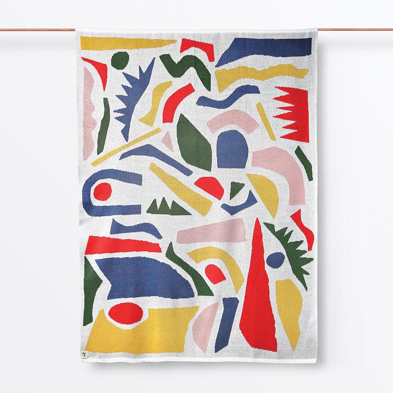 DaDa: Experimentação gráfica manual incorporada a superfícies têxteis