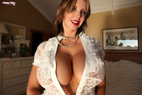 BRANDY ROBBINS - VOL. 18 - SET 1.02