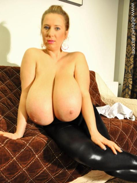 large-breasts-evening-06