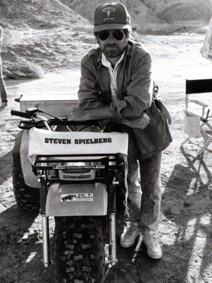 Steven Spielberg sur le tournage d'Indiana Jones et la dernières croisade