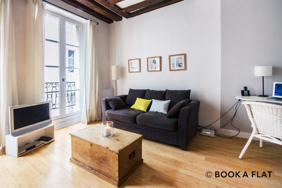 Location appartement meubl     Rue Gr    goire de Tours  Paris   Ref 0124