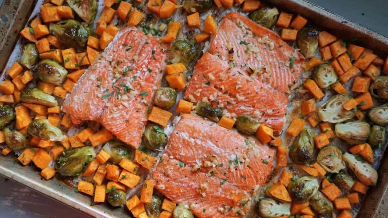 Honey Garlic Salmon & Veggies Meal Prep