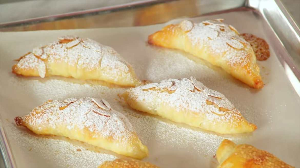 Professional Baker Teaches You How To Make CROISSANTS