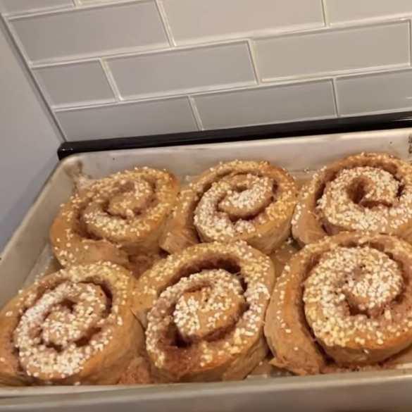 Making Easy Swedish Cinnamon Rolls with a Michelin-Star Chef