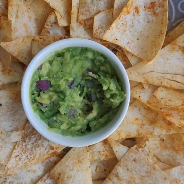 HEALTHY BAKED TORTILLA CHIPS | EASY AND DELICIOUS NACHOS with 2 ingredient recipe