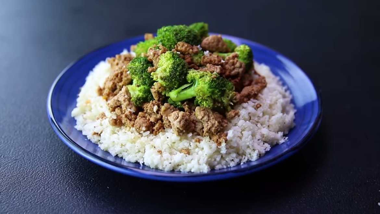High protein beef cauliflower fried rice 310 calories