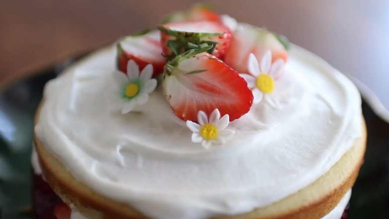 NO BUTTER VICTORIA SPONGE CAKE