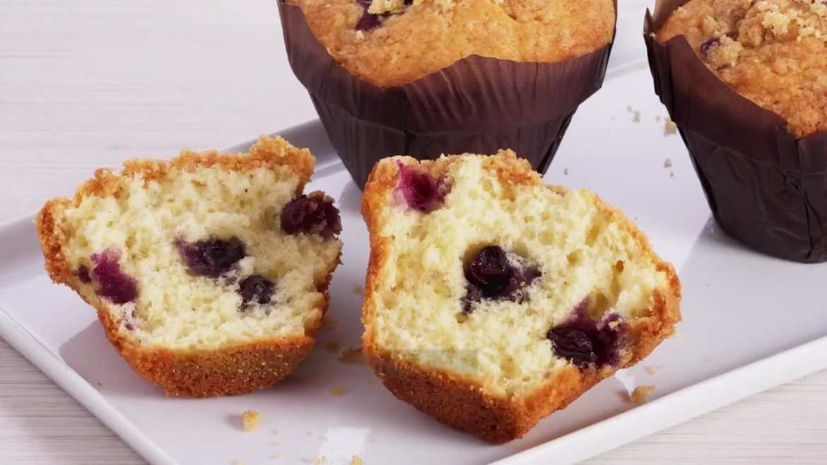 How to Make LOADED Blueberry Streusel Muffins