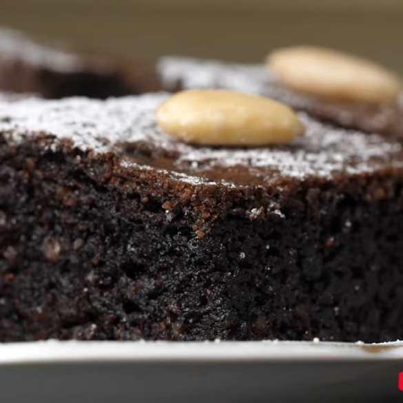 Best Chocolate Cake (GLUTEN FREE)