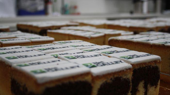 NetGalley.de hat die TeilnehmerInnen mitsuper viel Kuchen versorgt ♥
