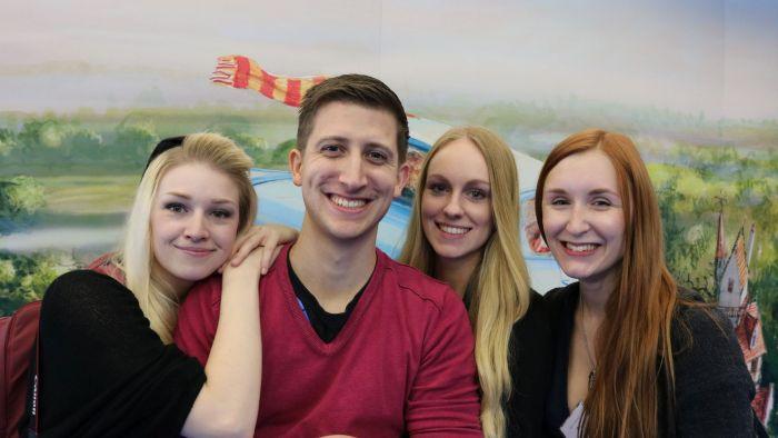 v.l.n.r.: Lea (Liberiarium), ich, Anabelle (Stehlblüten), Saskia (Who is Kafka?)