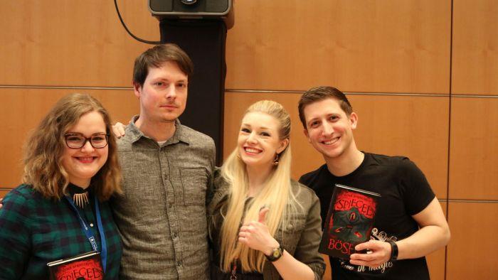 Sanne, Björn, Lea und ich beim Carlsen Bloggerempfang