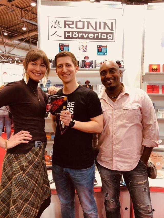 Katharina und Stanley vom Ronin Hörverlag mit mir in der Mitte