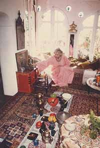 lesley blanch at home in roquebrune photo © gael elton mayo estate
