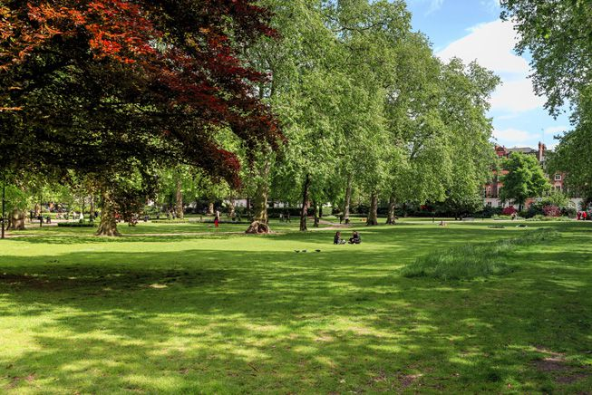 RussellSquareParkLondonSunnyDay mother earth network
