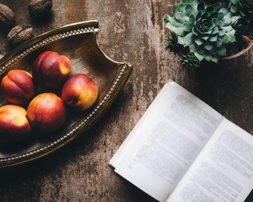 Luna aprilie – cărți citite și bucurii neașteptate