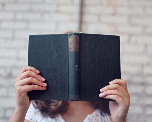 Rutina mea literară – cum arată bucuria