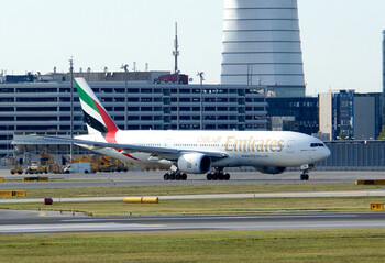 Emirates оплатит лечение и карантин своим пассажирам, заразившимся в путешествии в ОАЭ