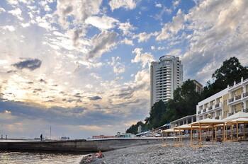 На пляжах Сочи этим летом придётся соблюдать социальную дистанцию