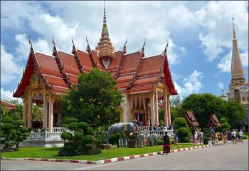 Оставшимся в Таиланде иностранцам продлят визы на три месяца