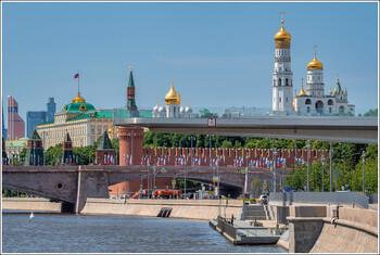 Парк Зарядье в Москве откроют 23 июня