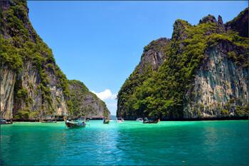 Пять курортов Таиланда могут открыться для туристов уже в августе