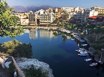 Туристка с коронавирусом три дня путешествовала по Криту