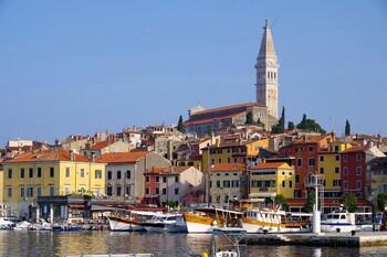 Туристы из Европы массово приехали в Хорватию