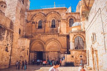 В Израиле после карантина открылся храм Гроба Господня