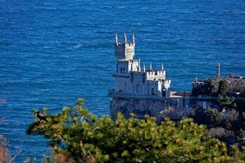 Всех прибывших в Крым на майские праздники поместят в обсерваторы