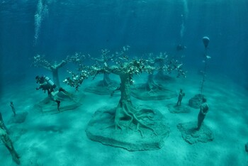 Первый в Средиземном море музей подводных скульптур открылся на Кипре