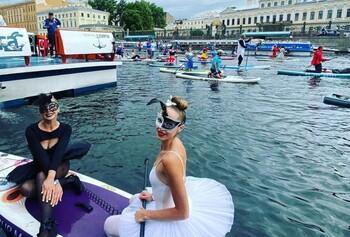 В Петербурге провели фестиваль сапсёрфинга «Фонтанка-SUP»