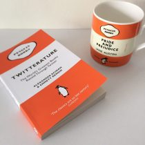 Twitterature en Penguin mok