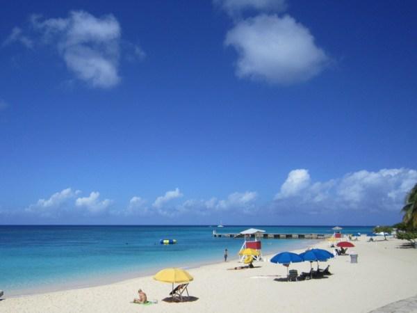 Doctors Cave Beach   Book Jamaica Excursions   bookjamaicaexcursions.com   Karandas Tours