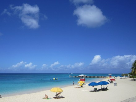 Doctors Cave Beach | Book Jamaica Excursions | bookjamaicaexcursions.com | Karandas Tours