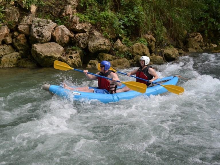river_kayaking_3