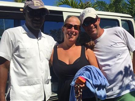 Driver & Couple | Book Jamaica Excursions | bookjamaicaexcursions.com | Karandas Tours