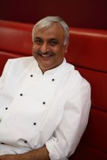 Kuldeep Singh Chef Indian Cookery Classes Indian Cookery Lessons in Ewell near Epsom with Book Look Cook.