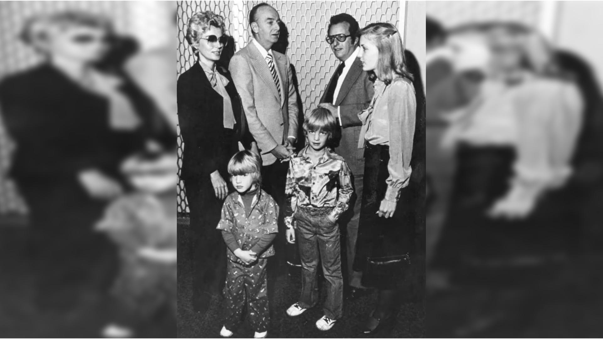Фрэнк Розенталь с женой и детьми