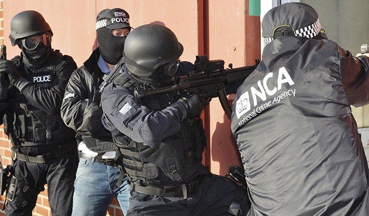 Співробітники NCA при виконанні оперативного завдання