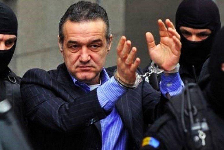 Румунський «король договірняків» Бекалі все ж подивився на небо в клітку