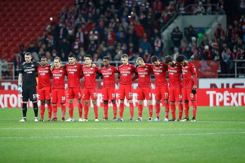 Игра «Спартак» - «Тун» началась с минуты молчания в память о погибшем фанате
