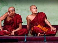 Южнокорейские монахи играли в покер на пожертвования верующих